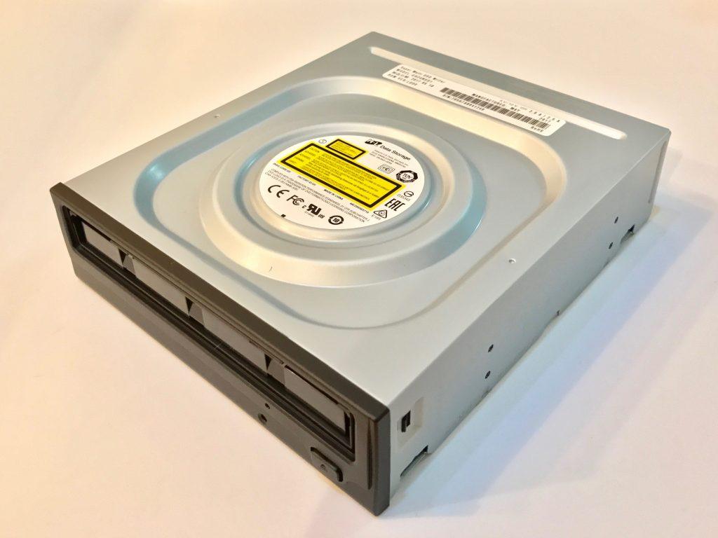 Mac Pro DVDドライブ